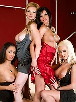 Extra Groupsex In Sluts And The City